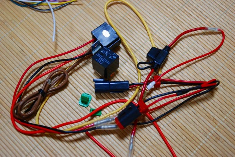 アクセサリ電源でリレーを動かしてバッテリーから電源取り出し用