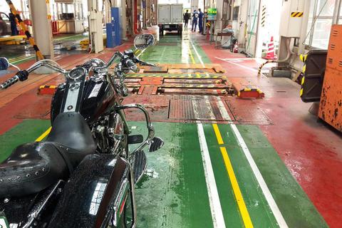 ハーレーの継続車検と構造変更