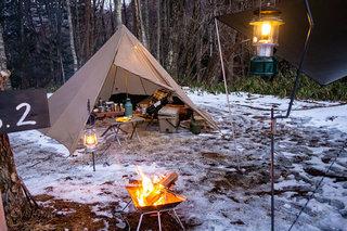銀河もみじキャンプ場でジムニー雪中キャンプ!テントはスランバージャックの4人用ティピーテント!